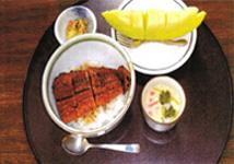 土用丑の日はやっぱりうな丼です。出汁の効いたお吸い物も好評でした。
